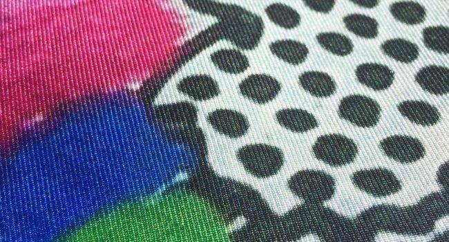 Individuell, Hochwertig Und Einzigartig: Schals Mit Fotodruck