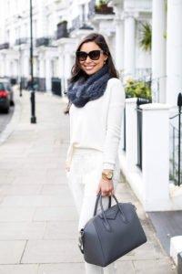 Weisses Outfit mit grauem Schal (Bildquelle 3)